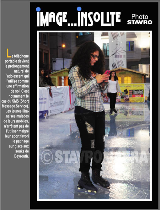 photo stavro - Le t�l�phone portable devient le prolongement naturel de l'adolescence au Liban, malgr� leur sport favori le patinage sur glace aux souks de Beyrouth
